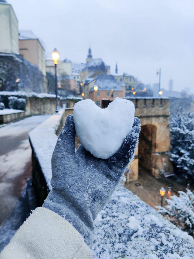 heart shaped snowball