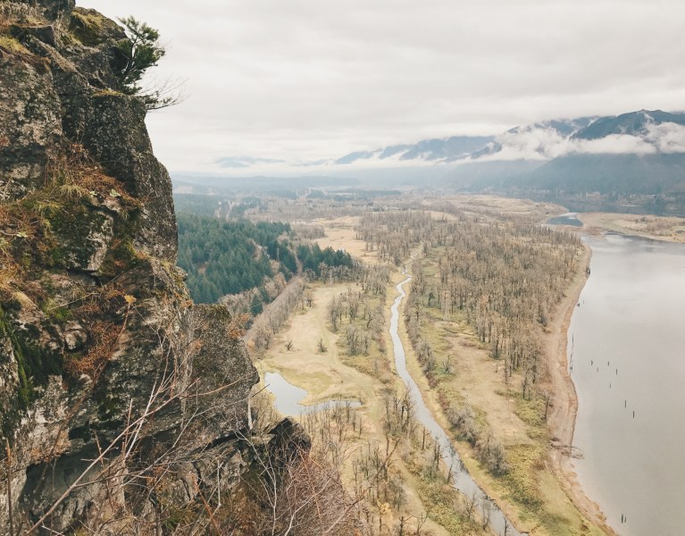 Portland Itinerary: View from Beacon Rock over Columbia River