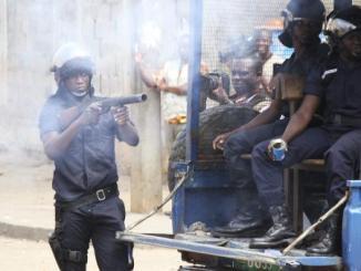 2012 08 21T194719Z 2016485110 GM1E88M09XN01 RTRMADP 3 TOGO PROTESTS 0 Voici pourquoi la CEDEAO doit venir en aide au Togo