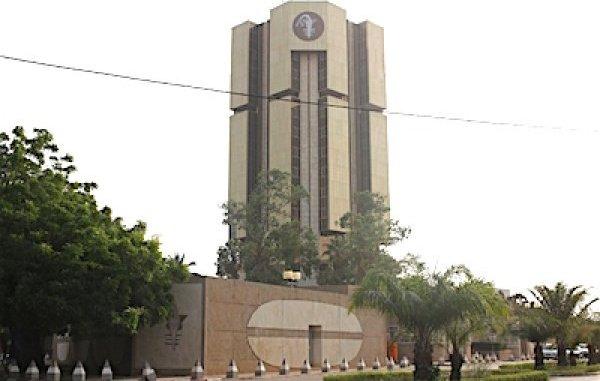 Besoin de liquidites bancaires 188 milliards adjuges mardi par les banques du Togo Besoin de liquidités bancaires : 188 milliards adjugés mardi par les banques du Togo
