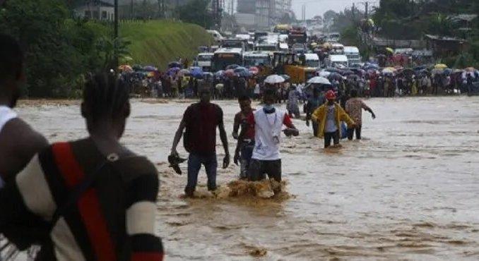 Cote dIvoire Abidjan en alerte apres la disparition de deux eleves dans un deluge Côte d'Ivoire : Abidjan en alerte après la disparition de deux élèves dans un déluge