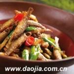 青椒肉絲の魚版が青椒炒魚(チンジャオチャオユゥ)