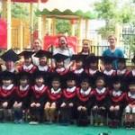 中国の卒園写真の欠席した子のびっくりな撮影方法