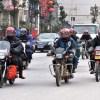 中国のバイク乗りはリラックスしすぎ