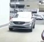 【悲報】中国のカーディーラーが店先で自動ブレーキのテストをしてみたところ