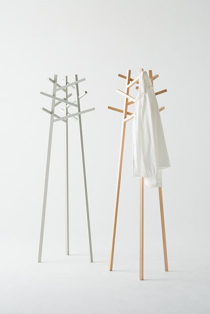kumiki coat rack / jinkuramoto