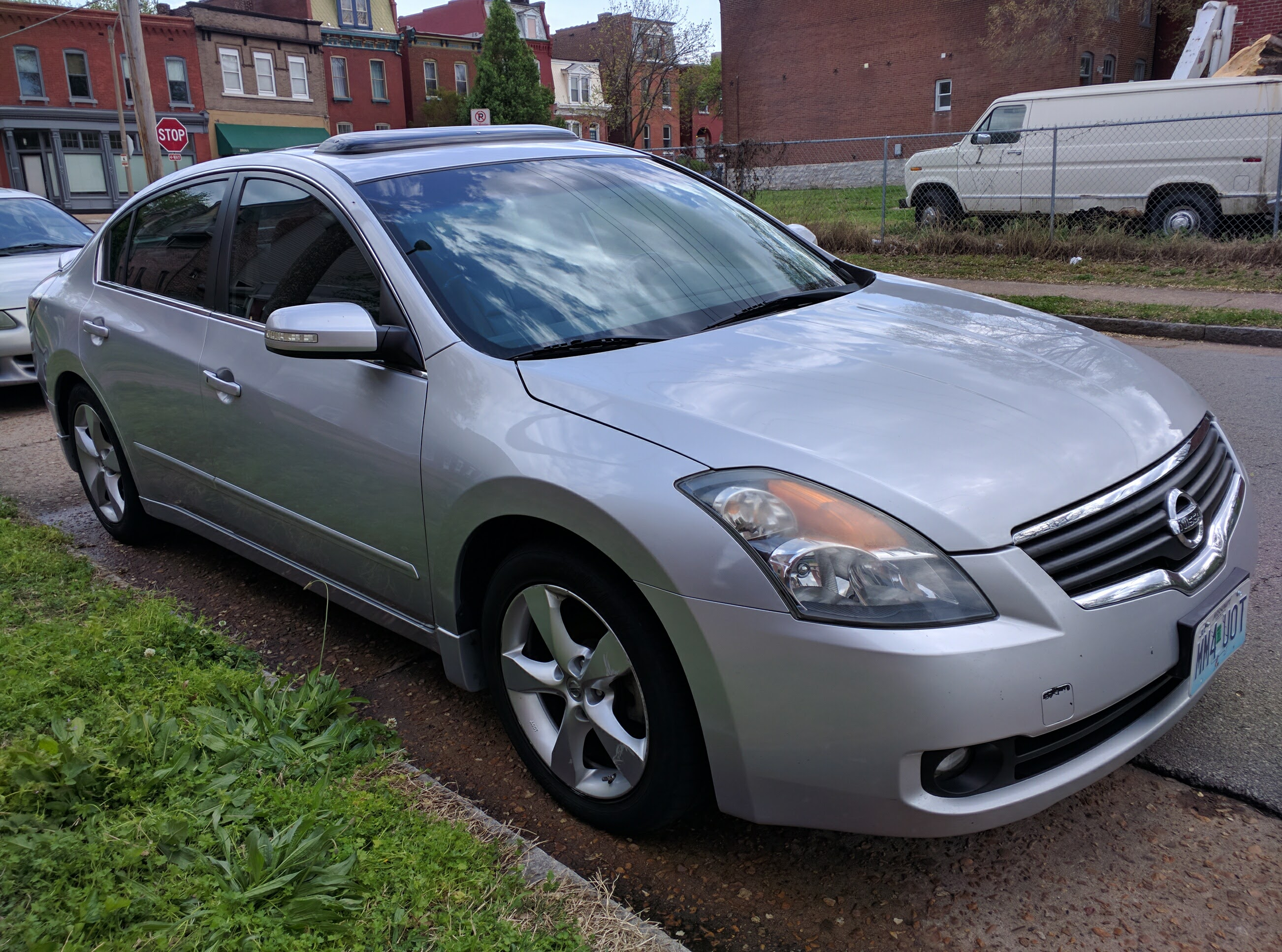 Tech Review The 2008 Nissan Altima 3 5se The Toilet Ov Hell