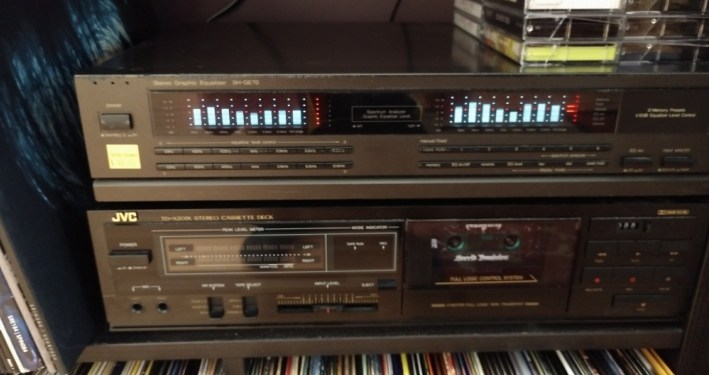 Home Audio Tips 'n Tricks: Add a Graphic Equalizer, Ya Dummy – The