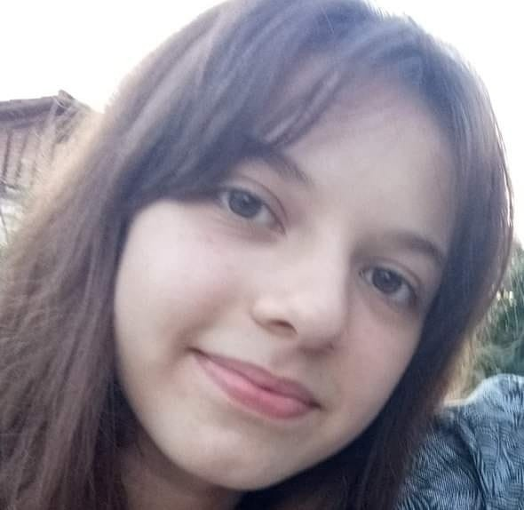 Başına yorgun mermi düşen genç kız yaşam mücadelesini kaybetti