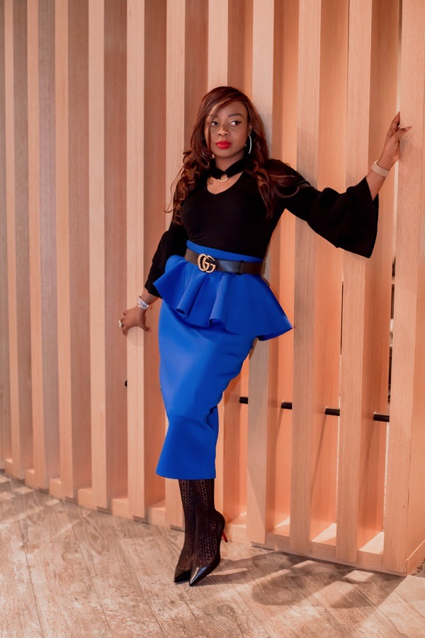 tokestakeonstyle-valentines-day-date-night-outfit-black-top-blue-ruffle-skirt-Gucci-belt-tokes-ojo-ade