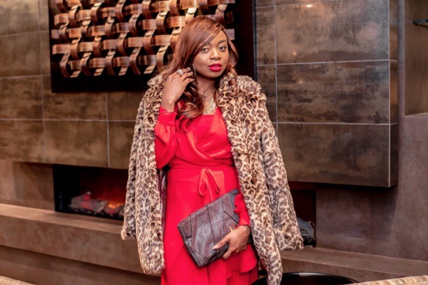 tokestakeonstyle-armoire-clothing-rental-service-review-red-yumi-kim-wrapdress-na-kd-leopard-print-coat