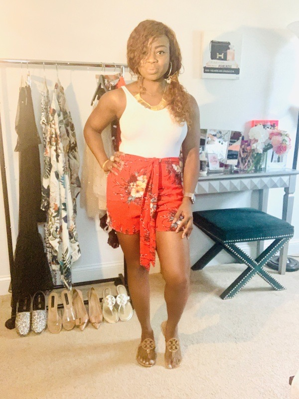 tokestakeonstyle-shorts-for-every-body-type-red-print-shorts