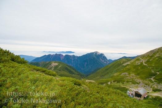仙丈ヶ岳・稜線からの甲斐駒ヶ岳と八ヶ岳