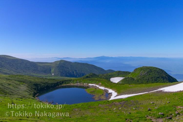 鳥海山登山|鳥海湖と月山