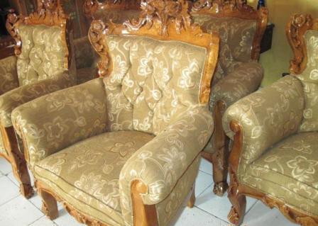 kursi-sofa-romawi-