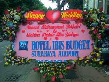 Order Karangan Bunga Papan Wedding Surabaya - 08123.5931.288