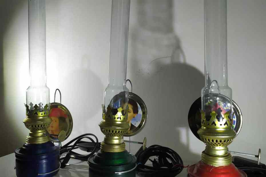 Lampu Teplok Listrik