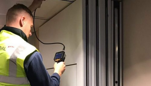 Cara memperbaiki partisi sliding wall yang tepat dan aman