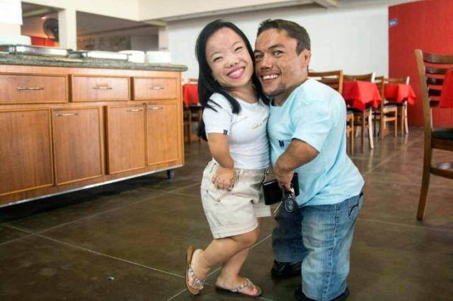 Meet the World's Smallest Couple Living Large