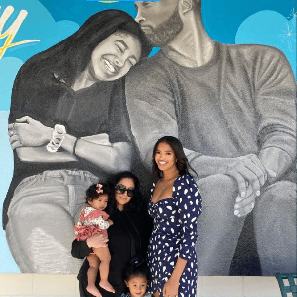 See photo of Vanessa Bryant and her daughters pose next to a mural of Kobe and Gigi Bryant