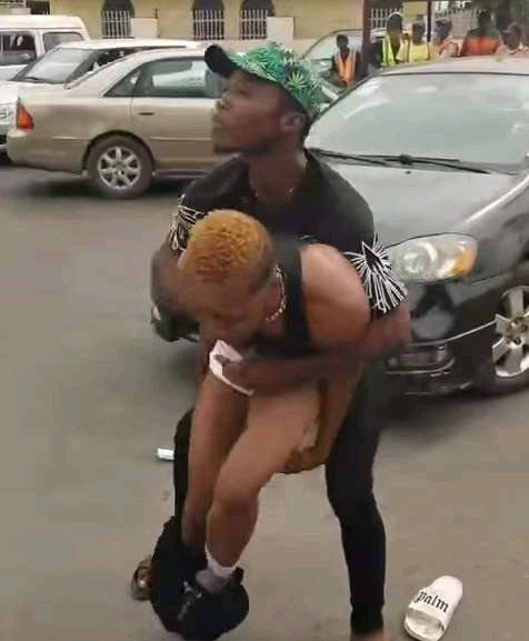 """""""Take Your Money, I Want Peace""""- Yahoo Boy Shouts As He Ran Mad (VIDEO)"""