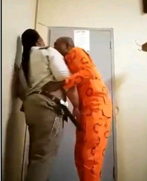 HEAVY SCANDAL!!! See What Officials Did To Female Prison Warder Caught Having S*x With Prisoner