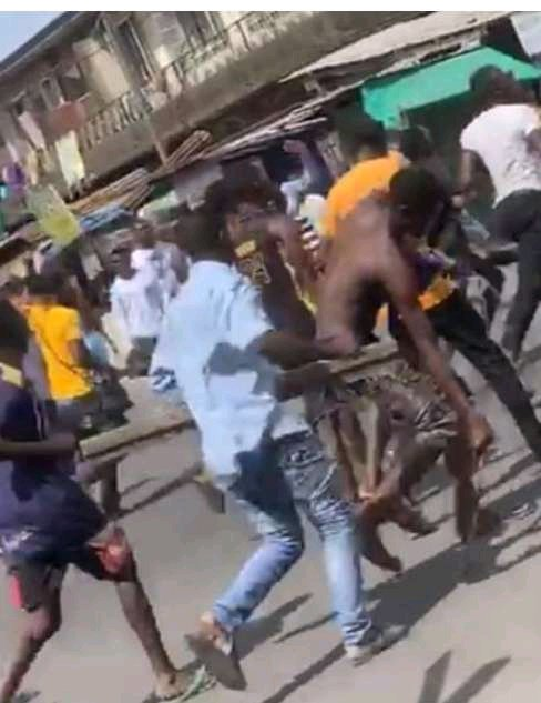 Again: Secondary School Student And His Gang Attack Teacher Over Refusal to do Assignment