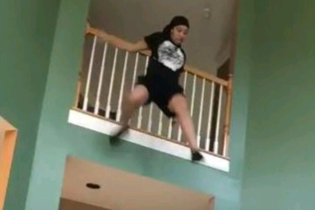 OMG! SHE IS BRAVE: See How Lady Jumped From Two-Storey Building To Escape From Ritualists