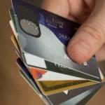 クレジットカードの一人あたりの平均保有枚数は?  – 実は最適な枚数でした –