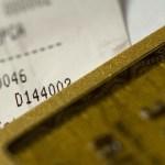 クレジットカードの利用限度額は「あえて」下げるべし 節約・不正利用被害の軽減などのメリットがあります