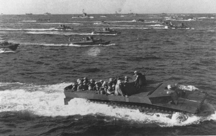 US arine LVT Iwo Jima