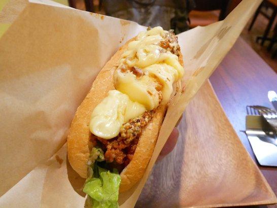 ラクレットチーズのホットドッグ