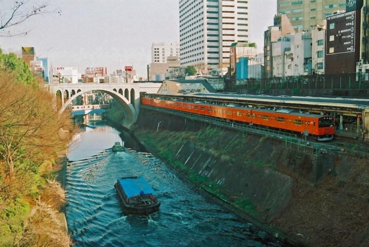 お茶の水を流れる神田川