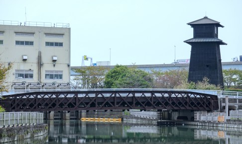 新川西水門広場