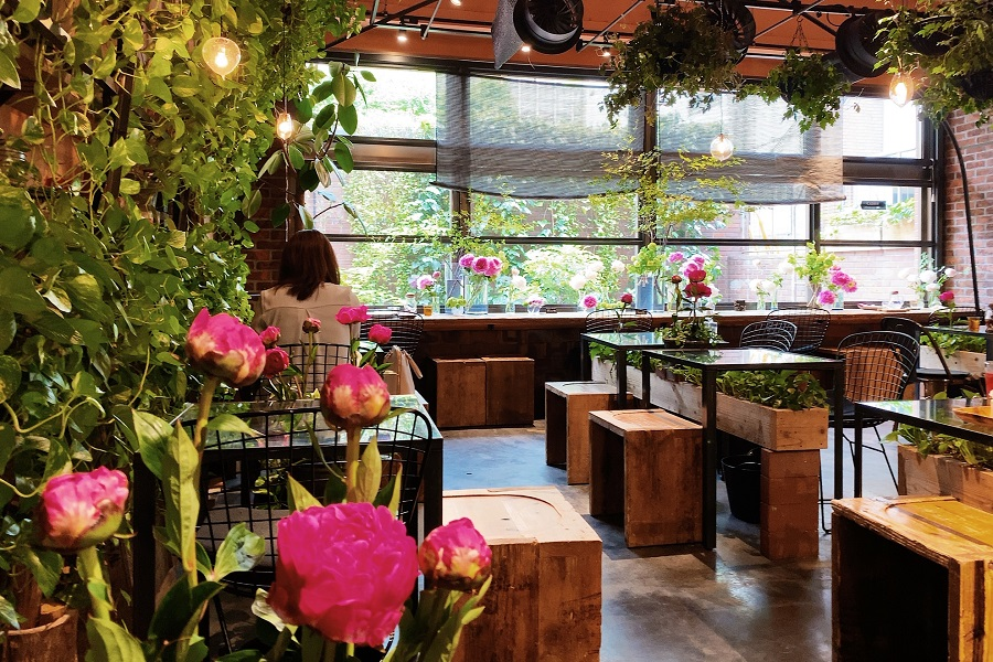Aoyama Flower Market Tea House Minamiaoyama
