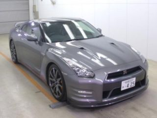 2012 Nissan GT-R Pure Edition
