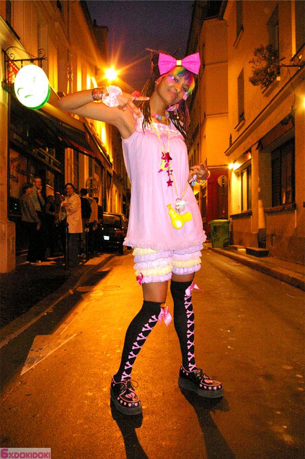 6%DokiDoki Paris Fashion Walk