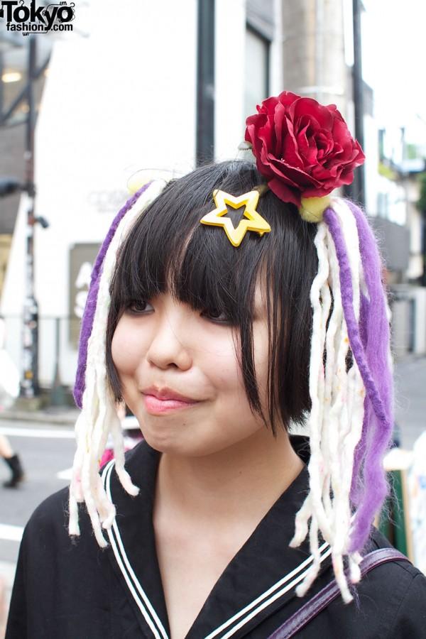 Star, rose & yarn hair decoration