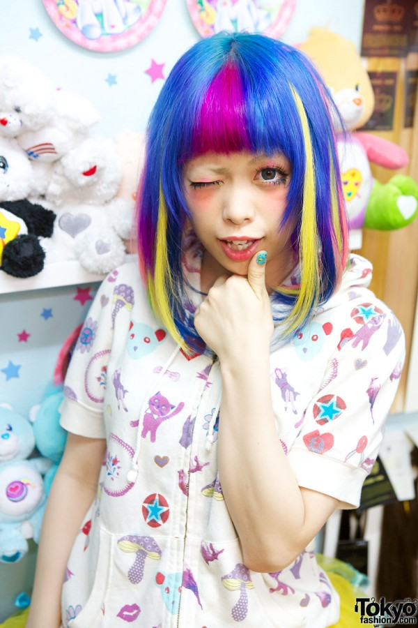 Viva Cute Candy Kawaii Colourful Hair Salon In Tokyo Rainbow