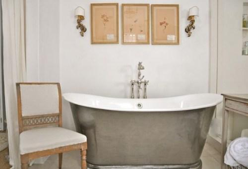 Brooke Gianetti master bath herbiers