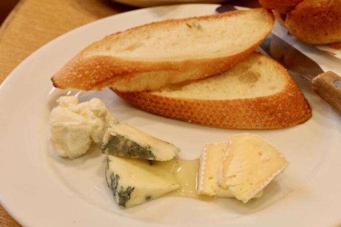 「お試し国産チーズプレート」540円税別