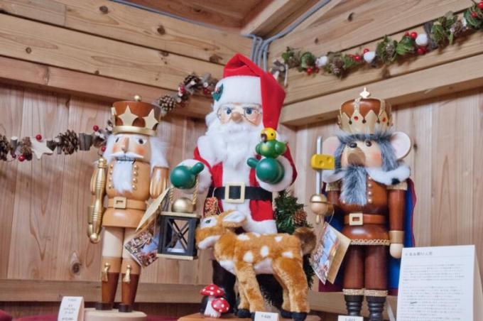 ドイツ・エルツ地方にあるザイフェン村からクリスマスオーナメントや 木工芸品が300種類以上販売