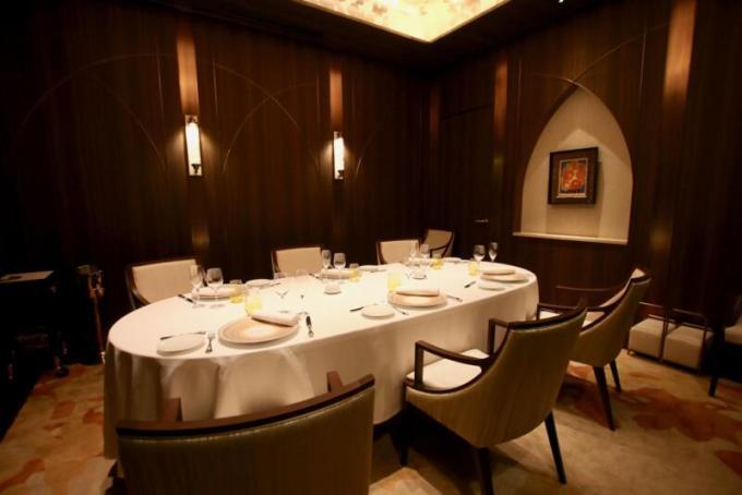 フランス料理「RESTAURANT PRUNIER」(レストラン プルニエ)