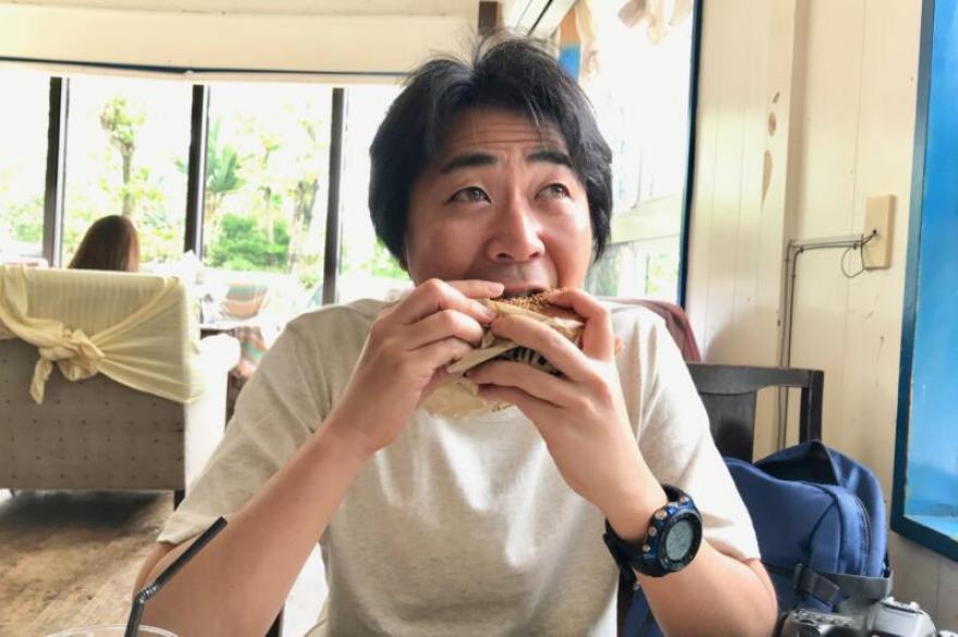 キャプテンカンガルー名護店のスペシャルバーガーを食べる!