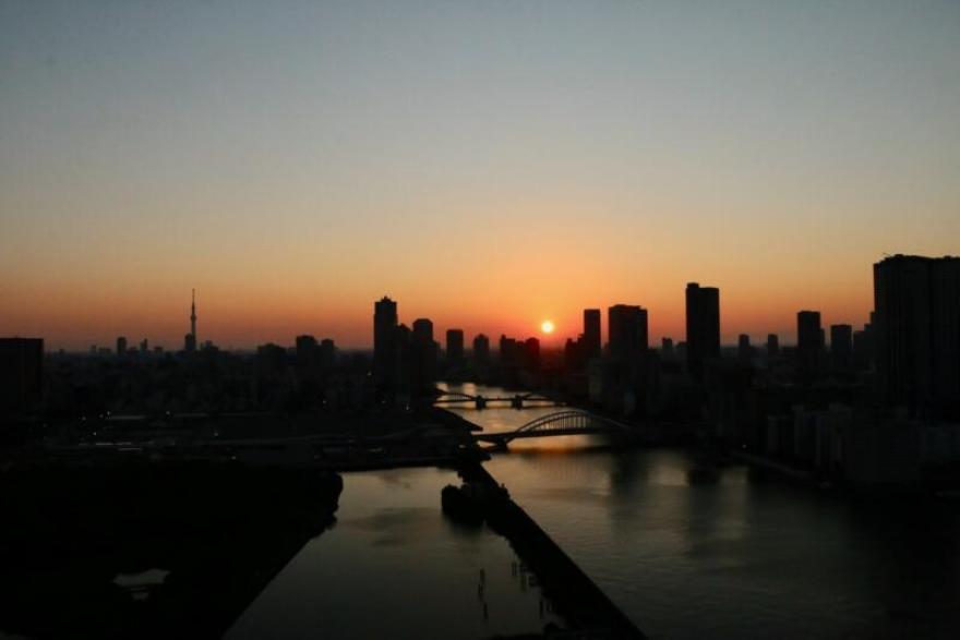 メズム東京からの朝日