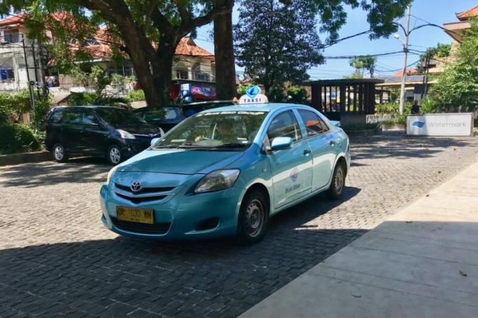 ウォーターマーク ホテル&スパ バリ ジンバラン からブルーバードタクシー