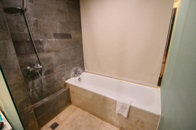 ウォーターマーク ホテル&スパ バリ ジンバラン バスルーム