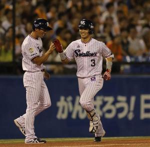 Nishiura's bomb in the 8th won the game.