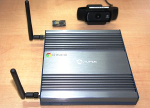 Chromebox CommercialとQ.boardとWebカメラ
