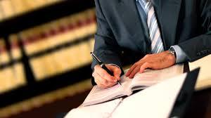 Cliente estraga tese de defesa de advogado.